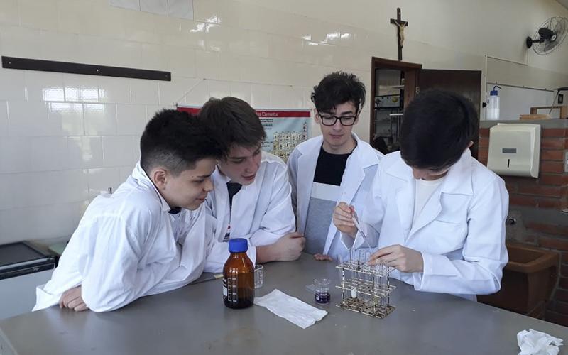 2019_11_20 - Laboratório química 9º ano_0001_f2f37b96-2ebf-4b70-8ae6-2115a155c2ed