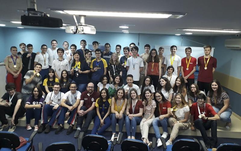 2019_12_17 - Premiação Olimpíada de Química e Ciências_0000_IMG_3574