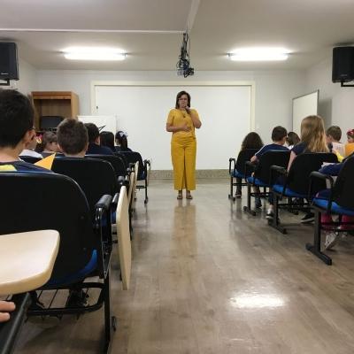 2019_10_02 - Visita da autora Cris Dias - 3º anoo04