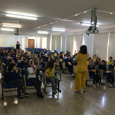 2019_10_02 - Visita da autora Cris Dias - 3º anoo05