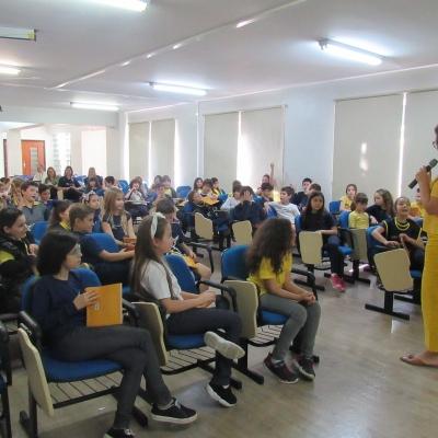 2019_10_02 - Visita da autora Cris Dias - 3º anoo13